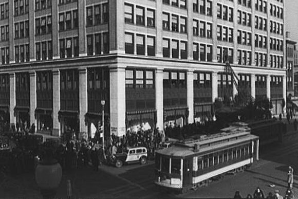 A streetcar in front of Woodward and Lothrop department store
