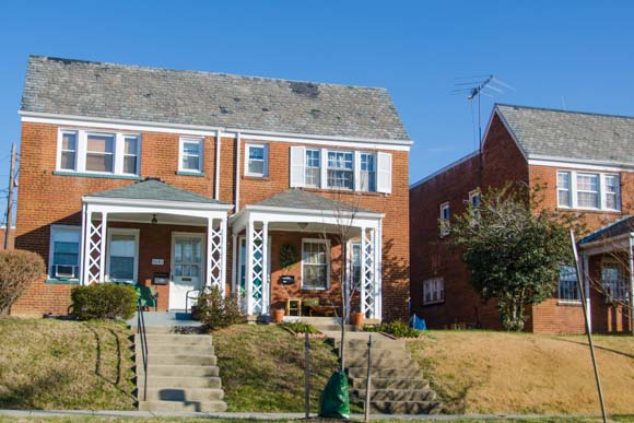 Housing on Lincoln Ave